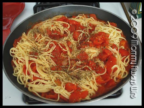 noodles and tomatoes