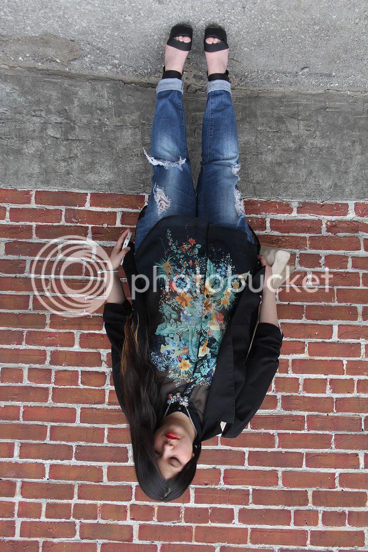plus size fashion canada toronto plus size blogger plus size florals floral jacket floral shirt denim strap heels blazer addition elle new look