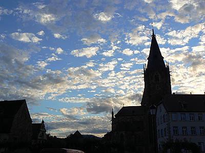 église et ciel.jpg