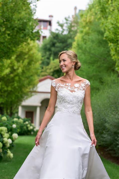 Our Wedding Ceremony: The Dress, Bridesmaids, and Flowers!