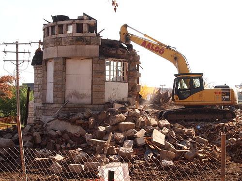 Demolition of Brownhurst Mansion in Kirkwood, MO_PB040357