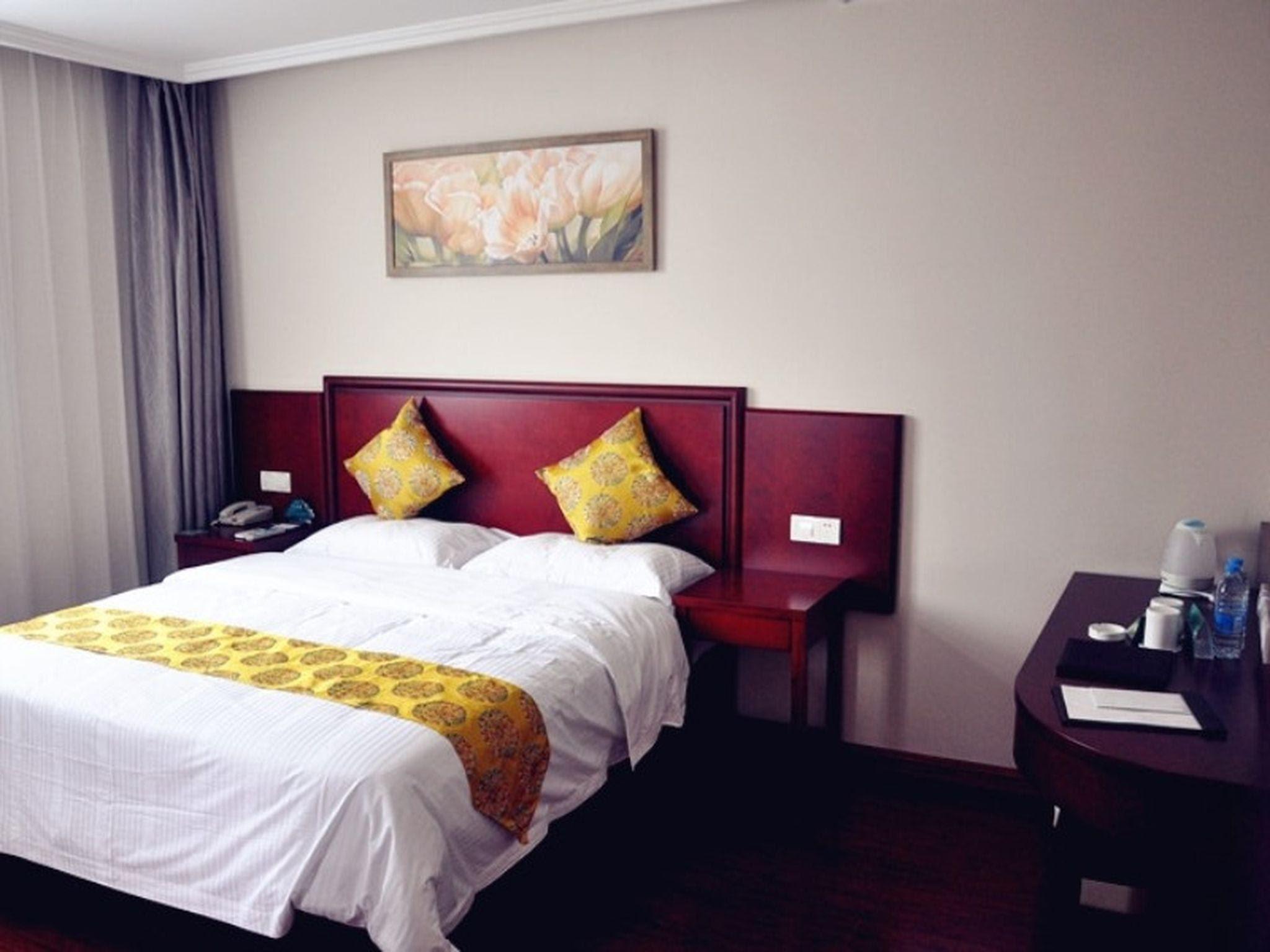 Review GreenTree Inn Xuzhou Benteng Avenue Express Hotel