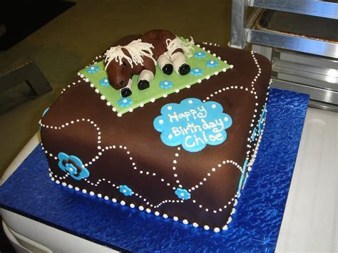 Horse on blanket birthday cake   Chocolate fondant