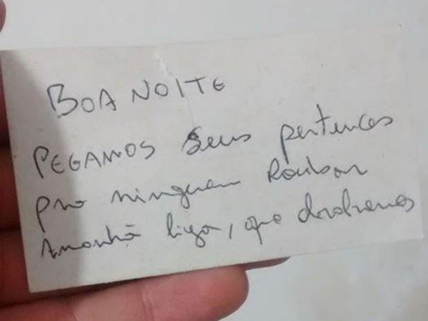 Jovem deixa carro aberto e encontrou bilhete de rapaz que o ajudou (Foto: Igor Bezerra / Aqruivo pessoal)