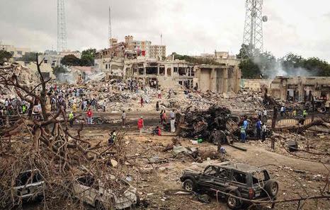 Resultado de imagen de más de 230 los muertos por atentado en Somalia