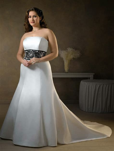 USED WEDDING GOWN : GET HIGH QUALITY PLUS SIZE DRESS WITH