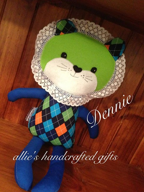 Allie's Handcrafted Gifts lion