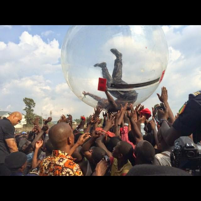 Akon Reacts To Reports Of Him Performing In Plastic Bubble