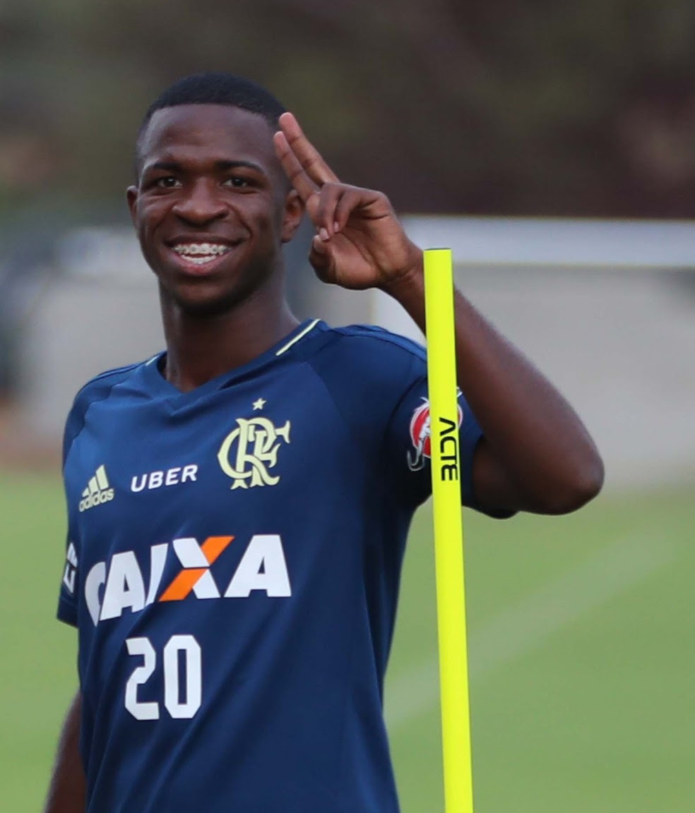 Vinicius Júnior treina ao lado de Rodinei (Foto: Gilvan de Souza/Flamengo)