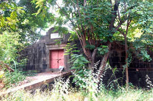 Defunct Tower of Silence lives on in the heart of an Andheri residential colony