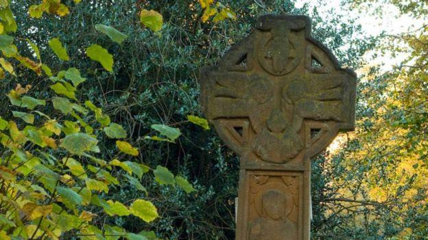 Emmeline Pankhurst's tombstone
