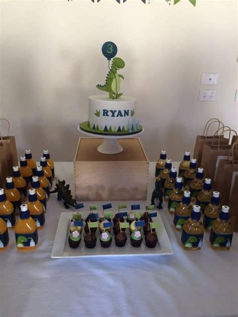 Dinosaur Themed Party   Birthday Party Ideas & Themes