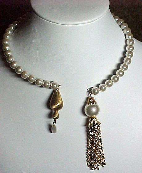Faux Pearl Memory Wire Necklace
