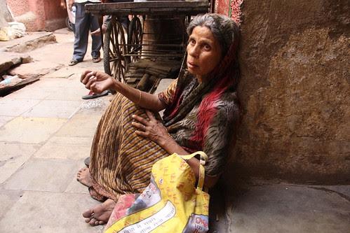 Aurat Ki Kahani Aya Budhapa Luti Jawani by firoze shakir photographerno1