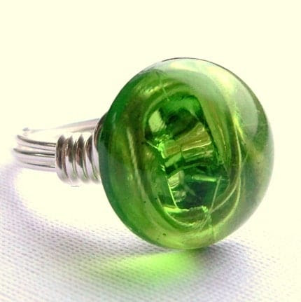 Green domed button ring