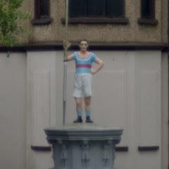 K11 test: statue at f/2