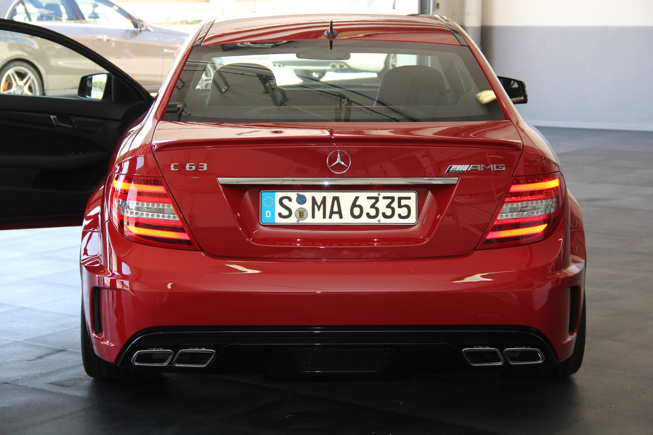 2012 Mercedes-Benz C63 AMG Black Series Coupe revealed in ...