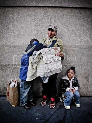 photo HomelessFamilySanFran_zps1b6a99c3.jpg