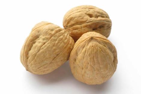 Las nueces reducen el colesterol.   Presas.
