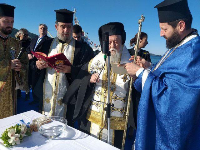 Ήγουμενίτσα: Ο εορτασμός των Θεοφανείων στην Ηγουμενίτσα-6 τολμηροί κολυμβητές βούτηξαν για τον Τίμιο Σταυρό (+ΦΩΤΟ, +VIDEO)