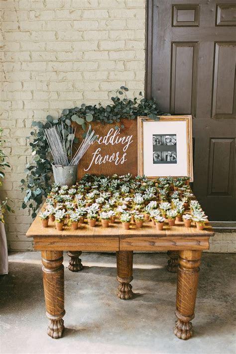 25  best ideas about Succulent wedding favors on Pinterest