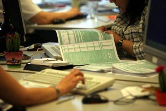 Οι μειώσεις φόρων και το σχέδιο για τις επιχειρήσεις με χαμηλό τζίρο - Παραδείγματα