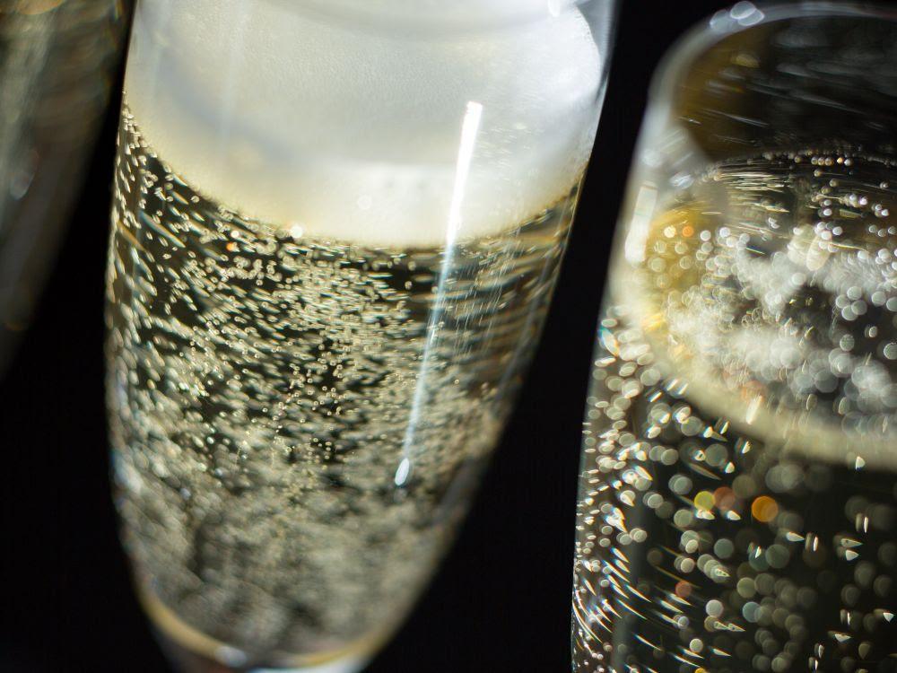 Le champagne, c'est avant tout ses bulles. Mais d'où viennent-elles ? ISOPIX/SIPA