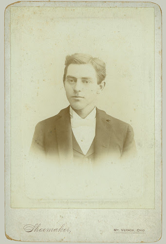 Cabinet Card man w white tie