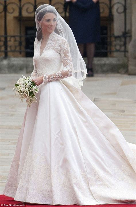 Celebrity Wedding Gowns At An Affordable Price!