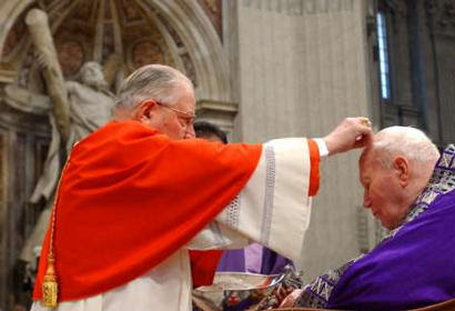 Pope receives ashes from Cardinal Sodano