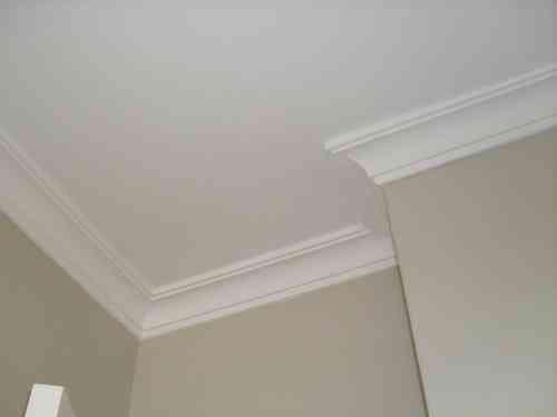Dormitorio muebles modernos molduras para techo - Molduras decorativas pared ...
