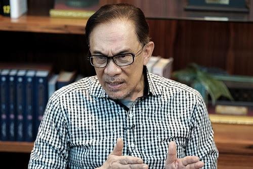 Anwar sokong Tun M, tiada kahwin sejenis