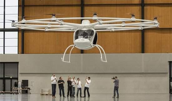 Helicóptero pessoal elétrico decola em silêncio na Europa