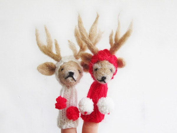 FINGER PUPPET MOBILE / Wall Hanging, Needle Felted Red White Reindeer Couple, nursery decor, toy, baby, children, eco friendly, christmas
