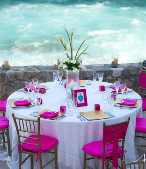 Hot Pink   White Wedding Reception Table Setting