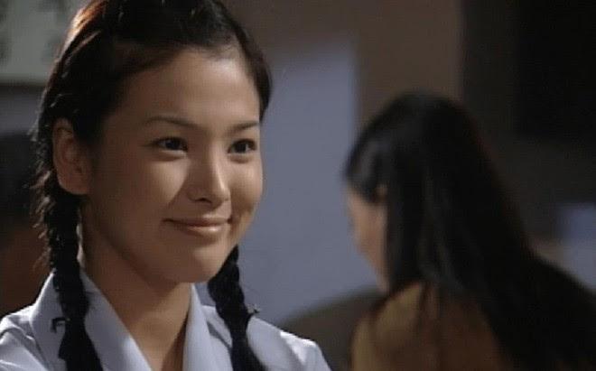 19 năm nhìn lại nhan sắc của Song Hye Kyo: Thì ra đây là lý do tường thành mãi không thể bị đạp đổ - Ảnh 3.