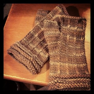 #fingerlessmitts finished for my Mom! #BerrocoVintage #knitting #handmade #mitts #knitstagram #handknit