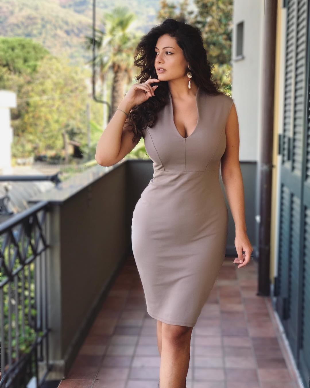 curvy girl dating