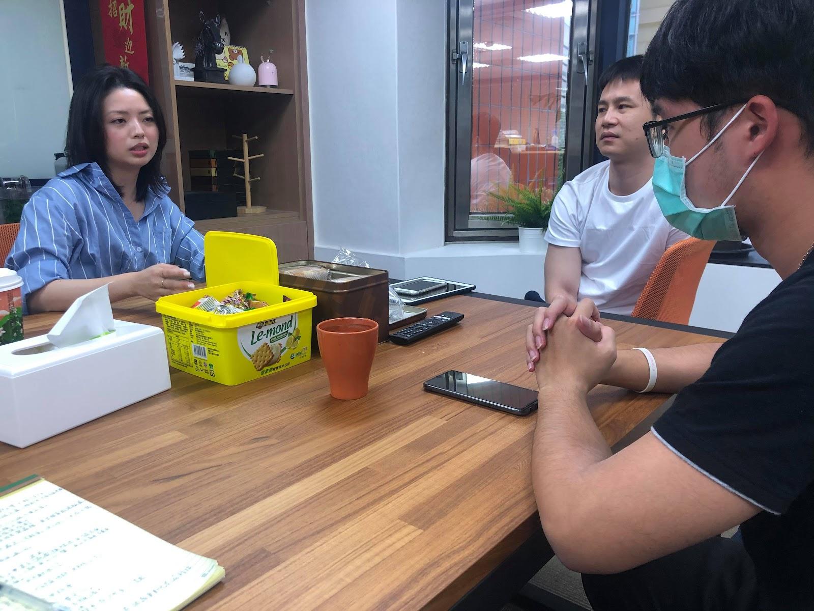火花/保卫马克思主义网站采访了郭芷嫣。 //图片来源:蔡大荣