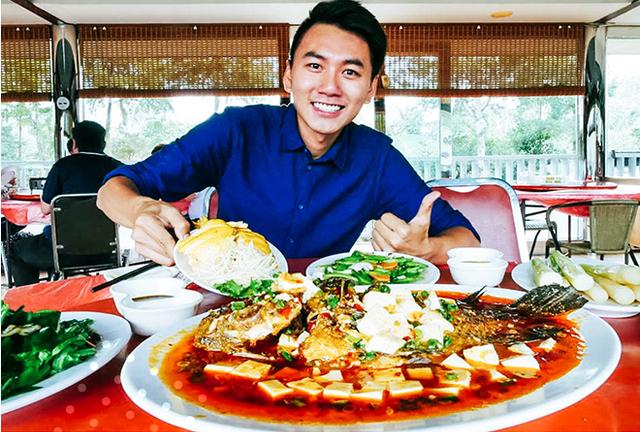 (Những vlog review ẩm thực đây đó của Khoai luôn nhận được tương tác nhiệt tình từ khán giả)