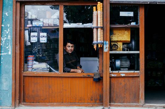 Rashmeet, a vendor in Venice.