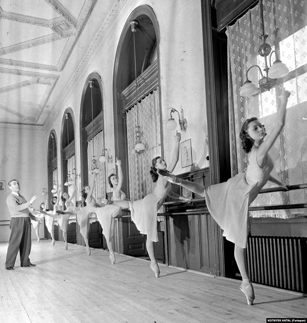 Занятия труппы государственного балета Венгрии, 1955 год