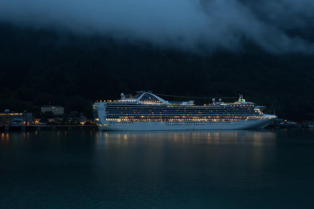 Alaska tourism economy image