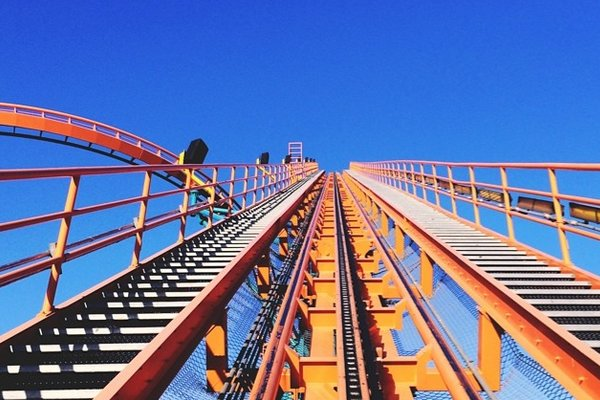 magic-mountain-pov-rollercoaster.jpg