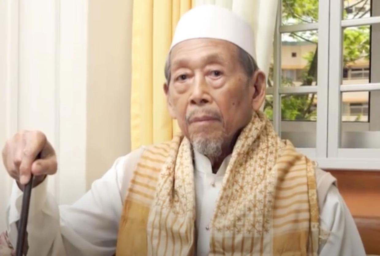 pioneer of singapore Ustaz Ahmad Sonhadji and his contributions