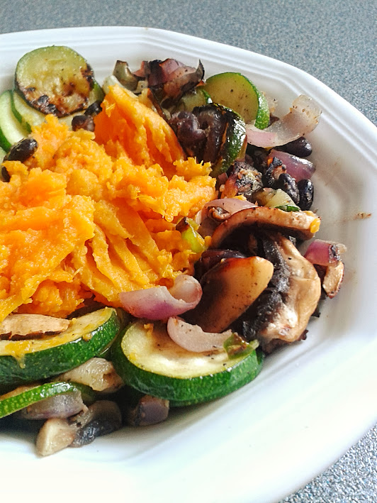Welcome to Mommyhood: Healthy family recipes: Smashed sweet potatoes and grilled vegetables