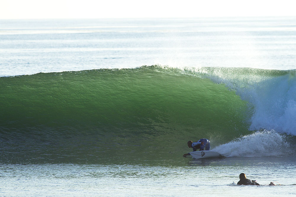 http://stwww.surfermag.com/files/2011/06/glaser_slater.jpg