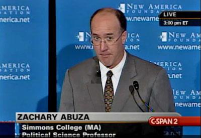 Giáo sư Zachary Abuza của trường đại học về chiến tranh của Hoa Kỳ