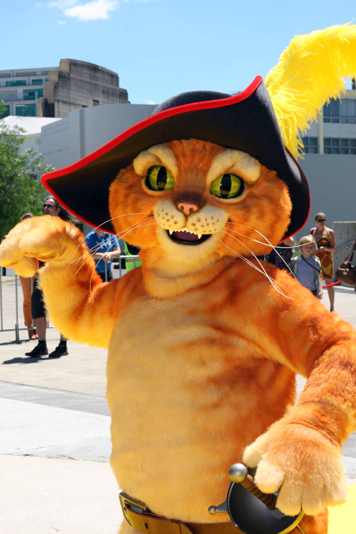 File:Puss in Boots, 2011, Australia-1.jpg - Wikimedia Commons