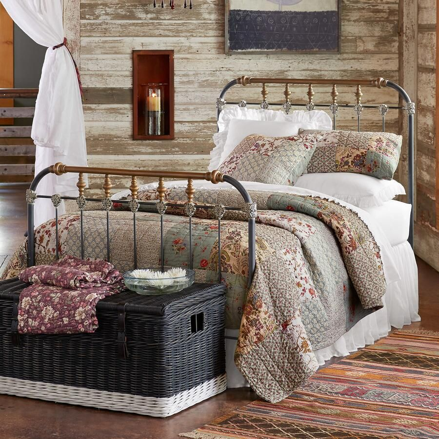 Traditional Quilts for Farmhouse Style
